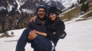 Honeymoon Couple at Rohtang Pass, Manali